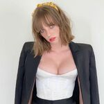 Maya-hawke-attends-sony-pictures-once-upon-a-time-in-news-photo-1163686510-1563973121.jpg