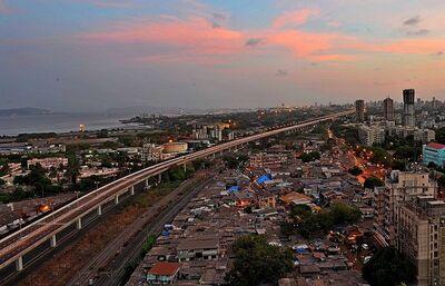 The Eastern Freeway in Mumbai 1.jpg