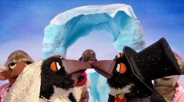 Kiss-Penguins
