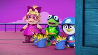 MuppetBabies-(2018)-S03E08-TheRibbiter-GoodOldFashionedBucketsOfBananaPeels
