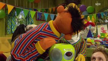 Kiss-Ernie&Bert-UnsereGeschichte-AlsDieSesamstaßeNachDeutschlandKam-(2012-2013)