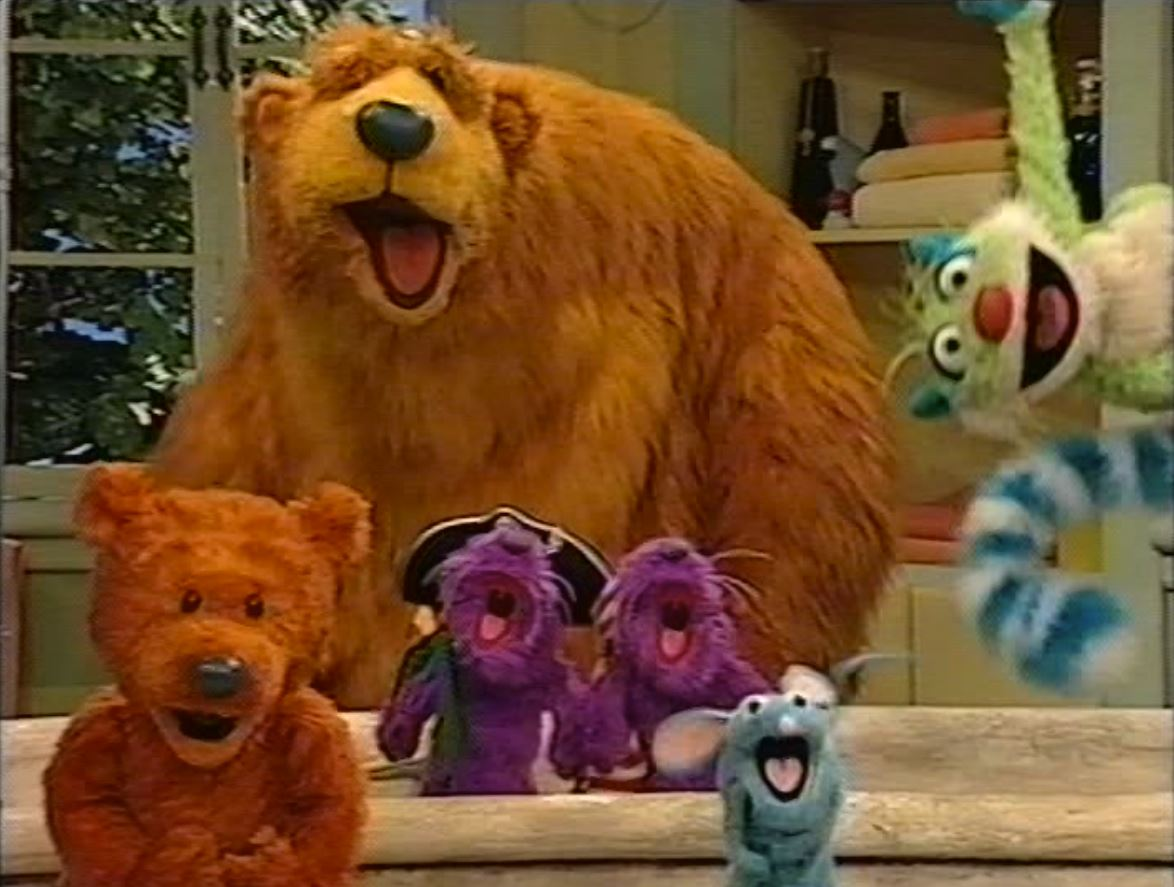 Surprise! (Bear in the Big Blue House)
