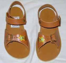 Keds 1981 kermit sandals 4