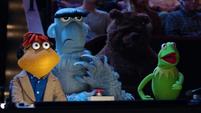 TheMuppets-S01E05-Scooter-Sam-Bobo-Kermit