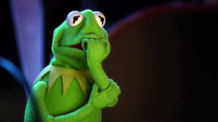 TheMuppets-S01E05-KermitWorried