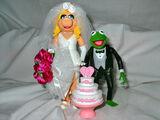Wedding of the Century Kermit and Piggy Action Figure Set