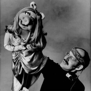 Frank Oz and Piggy.jpg