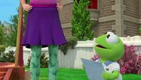 MuppetBabies-(2018)-S03E06-FozzieCantBearIt-RoboDinoStockings