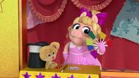 MuppetBabies-(2018)-S03E08-PrestoUhOh-Fan-Piggy