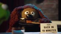 TheMuppets-S01E07-ChewShoe