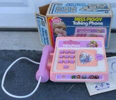 Miss piggy talking phone 1