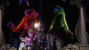 Cirque Du So Lame stage.jpg