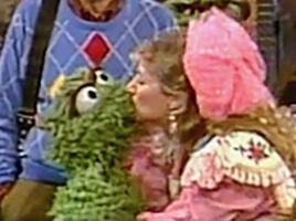2648 kiss Carol Kane