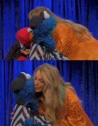 Kiss-ElmoCookieBlakeLively