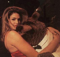 Cindy Crawford Bobo.jpg