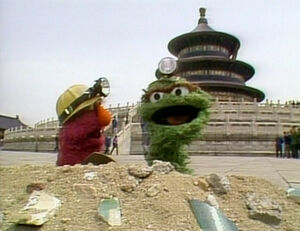 Oscar and Telly in Big Bird in China.jpg