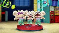 MuppetBabies-(2018)-S03E05-TheCopyCub-TripleRozzie