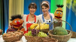 Sesamstrasse-Ernie&BertSongs-Boy-VieleKleineFrüchte-(2013-02-22)