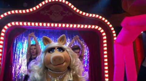 """Miss_Piggy's_""""I'm_Sorry""""_Song_-_The_Muppets"""