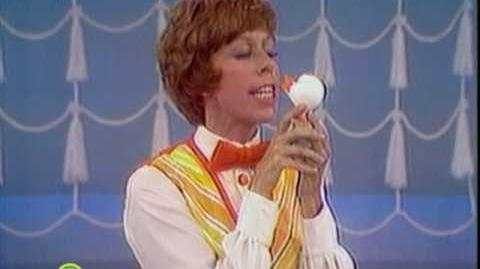 Sesame_Street_Carol_Burnett_Kisses_Rubber_Duckie