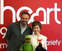 Kermit&Pepe--Heart-061212
