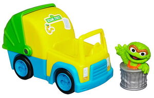 Oscar the grouch's garbage truck hasbro 2
