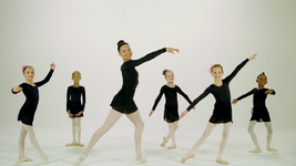 4904-Dancers