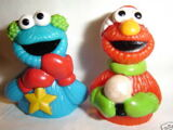 Elmo Saves Christmas finger puppet cups