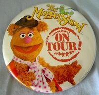 Muppet show on tour fozzie button
