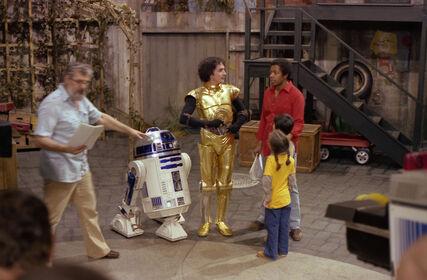 SesameStreet-StarWars-C-3PO&R2-D2-01