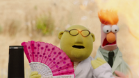 MuppetsNow-S01E02-BunsenFan