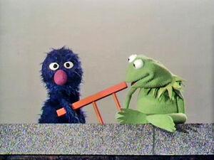 Kermitgroverladder.jpg