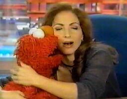 Kiss Elmo Gloria Estefan