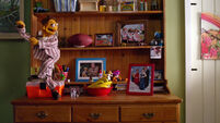 TheMuppets-(2011)-Life'sAHappySong-Merchandise