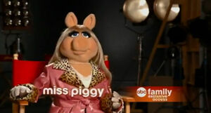 Abc family first look piggy.jpg