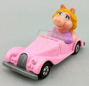 Tomy piggy car