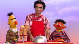 Sesamstrasse-Ernie&BertSongs-RolandoVillazon-(2013-10-26)