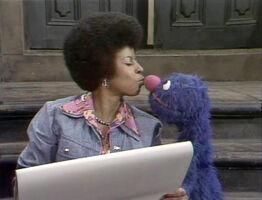 Kiss Susan Grover 0827