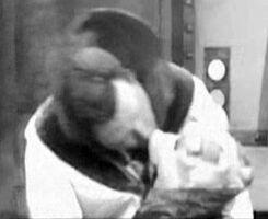 Kiss piggy John Goodman