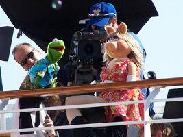 Disney-Kermit-Piggy-326034517FpFnOZ ph