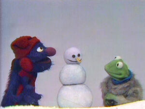 KermitGrover-Snowman.jpg