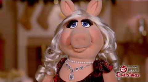 Miss Piggy - Mistletoe Freeform's 25 Days of Christmas