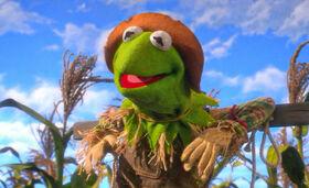 KermitScarecrow.JPG