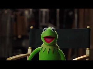 Kermit The Frog Executive Producer Up Late with Miss Piggy The Muppets 2015 09 09