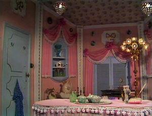 Piggy-dressingroom.jpg