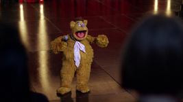 TheMuppets-S01E01-BunrakuFozzie