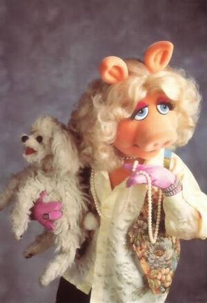 Miss Piggy Foo Foo pearls.jpg