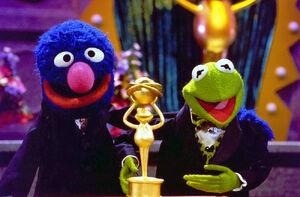 Kerm&Grover-frogoftheyear.jpg