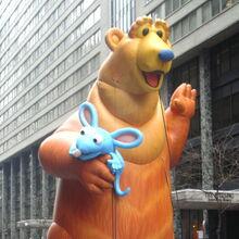 Fabulous inflatables bear 30.jpg