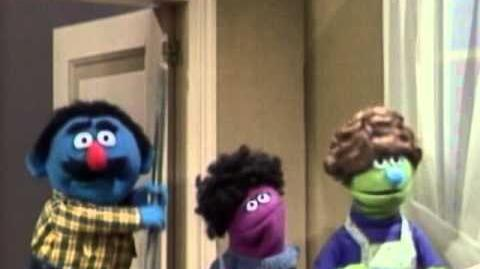 Sesame_Street_Daddy_Helps_With_The_Dishes
